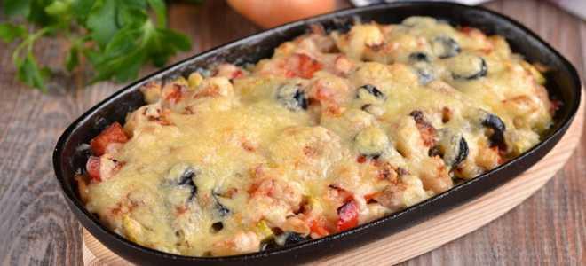 Горячая закуска из курицы и овощей