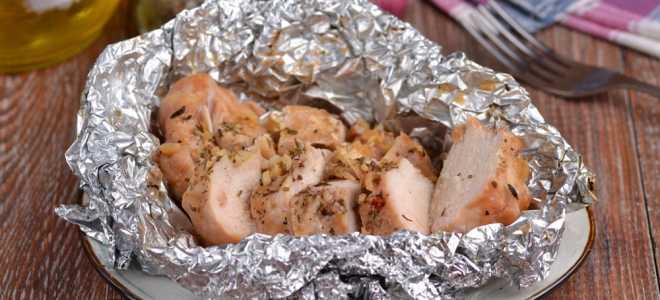 Сочная куриная грудка с соевым соусом в фольге