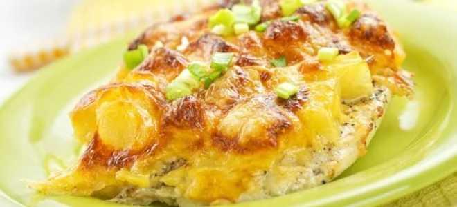 Курица с ананасами в духовке под аппетитной сырной корочкой