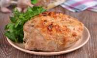 Куриная грудка с чесноком и кориандром в духовке