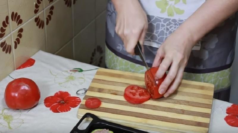 Фаршированные кабачки с фаршем запеченные в духовке кольцами и лодочкой